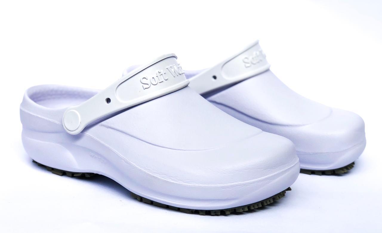 3f14c60990 Calçado de Segurança Tamanco Ocupacional Antiderrapante BB 60 - Soft Works