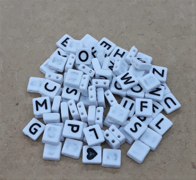 Conta Plástica Achatado Letras - Branco (VAREJO)