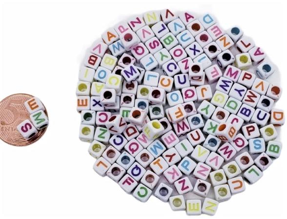 Letras Quadradas Coloridas  Aleatorias  - D -  ( VAREJO )