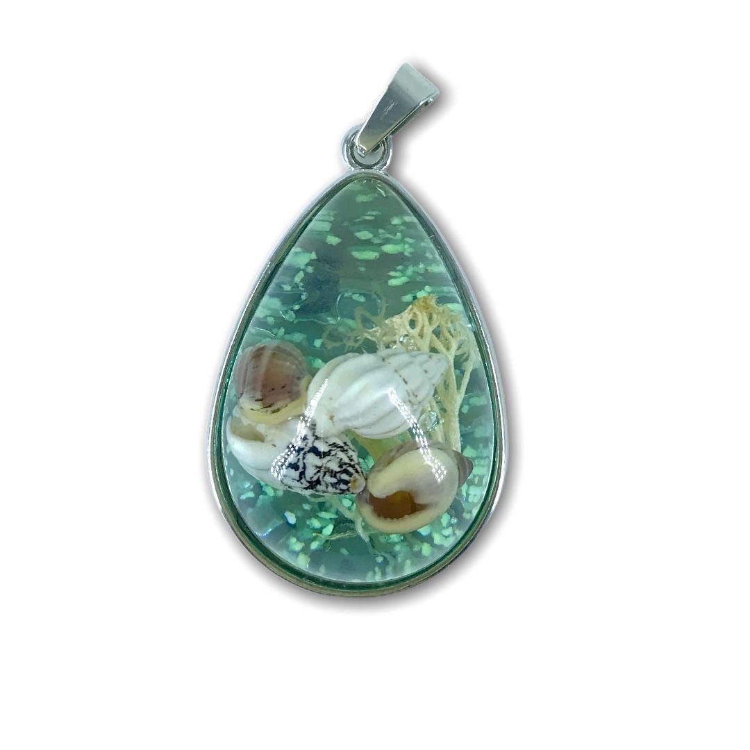 Pingente Resinado Gota Conchas do Mar Verde Água