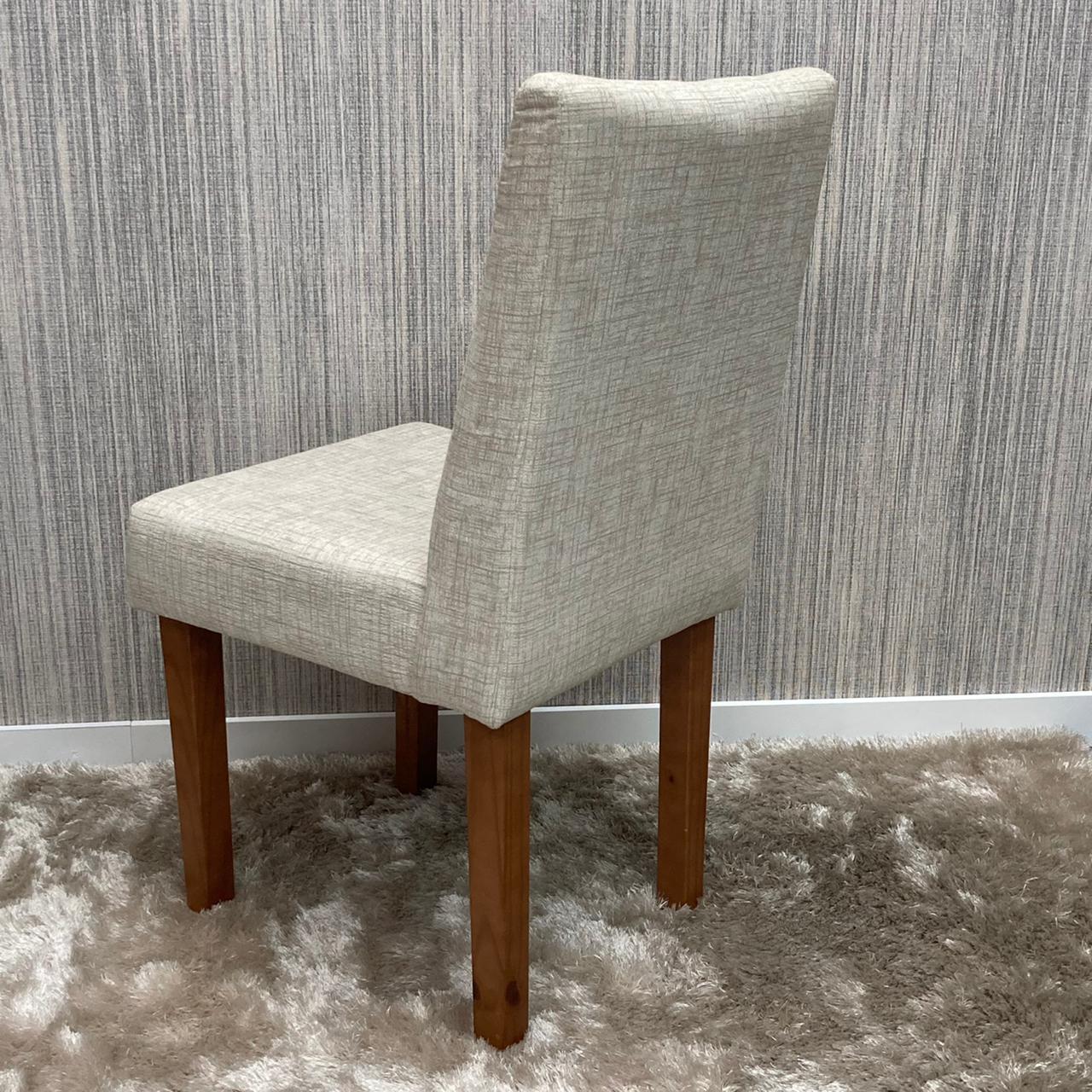 Cadeiras Tapeçadas com Botões Rubi