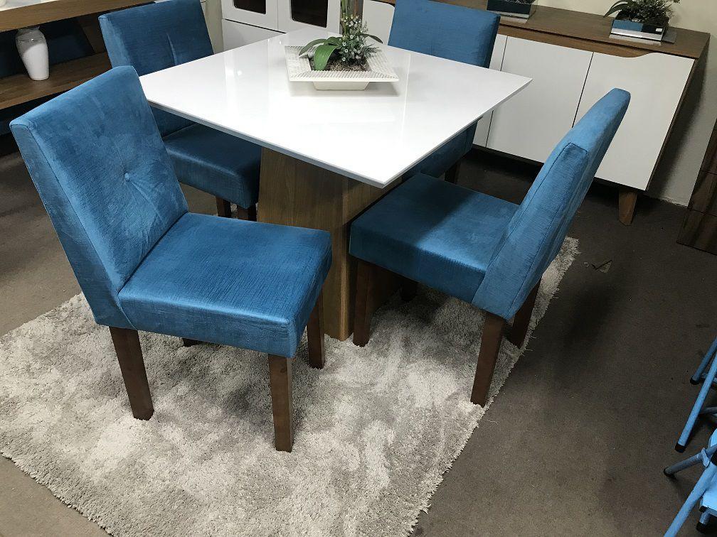 Conjunto Sala de Jantar Mesa e 4 Cadeiras Dora