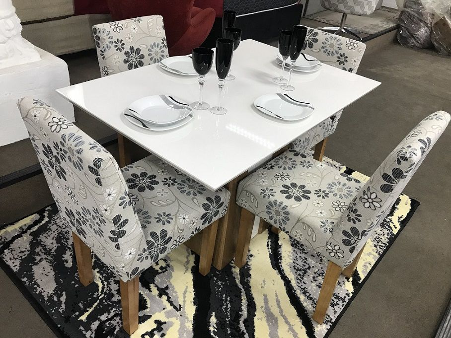 Sala de Jantar Completa Orus + Buffet Quartzo + Cristaleira Liz
