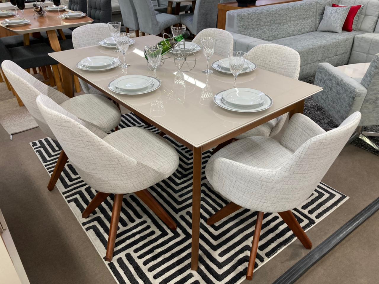 Sala de Jantar Mesa Julien e 6 Cadeiras Dilly Giratórias (2 Cadeiras com Braços)