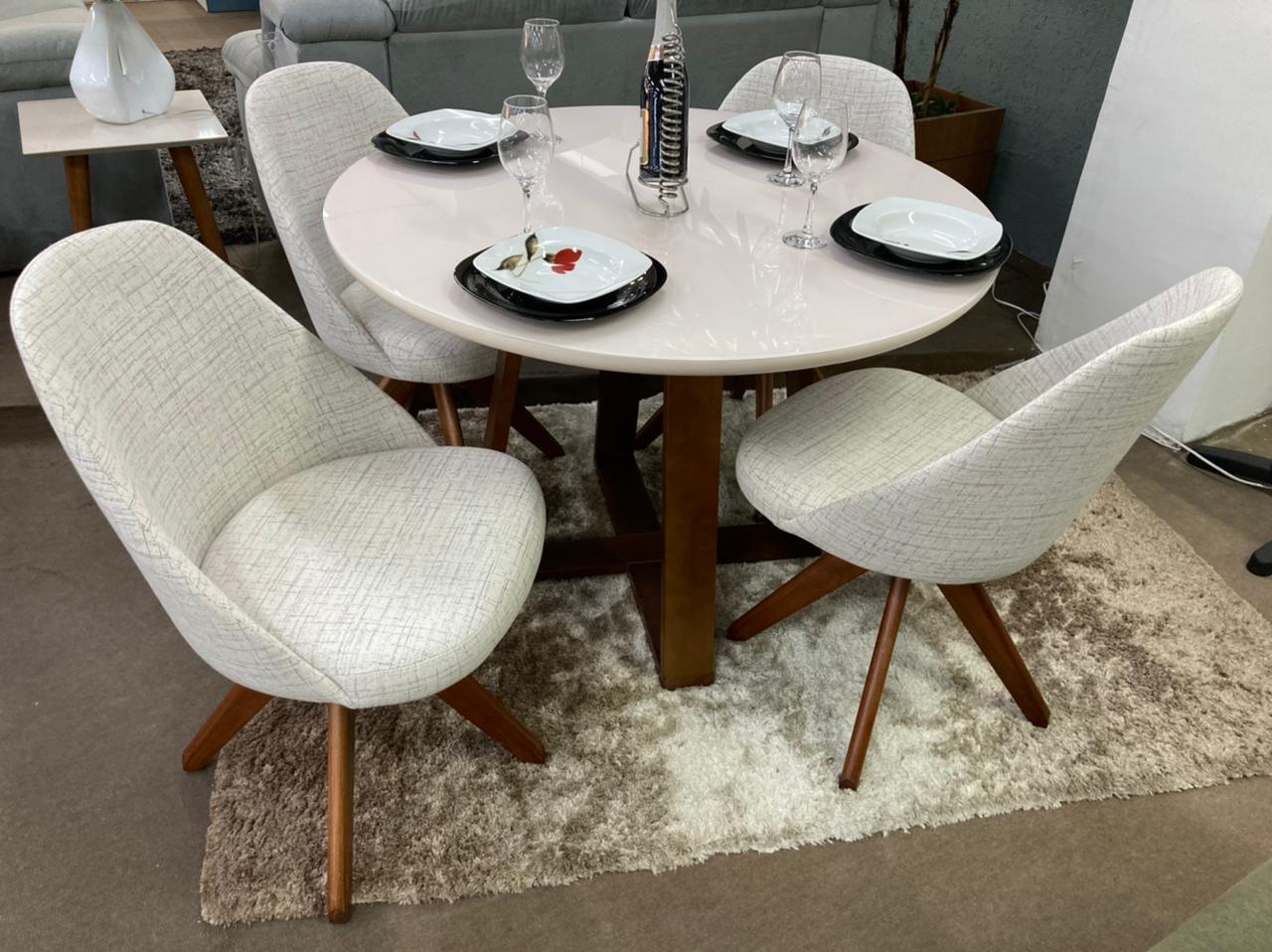 Sala de Jantar Mesa Redonda Rose e 4 Cadeiras Dilly Giratórias