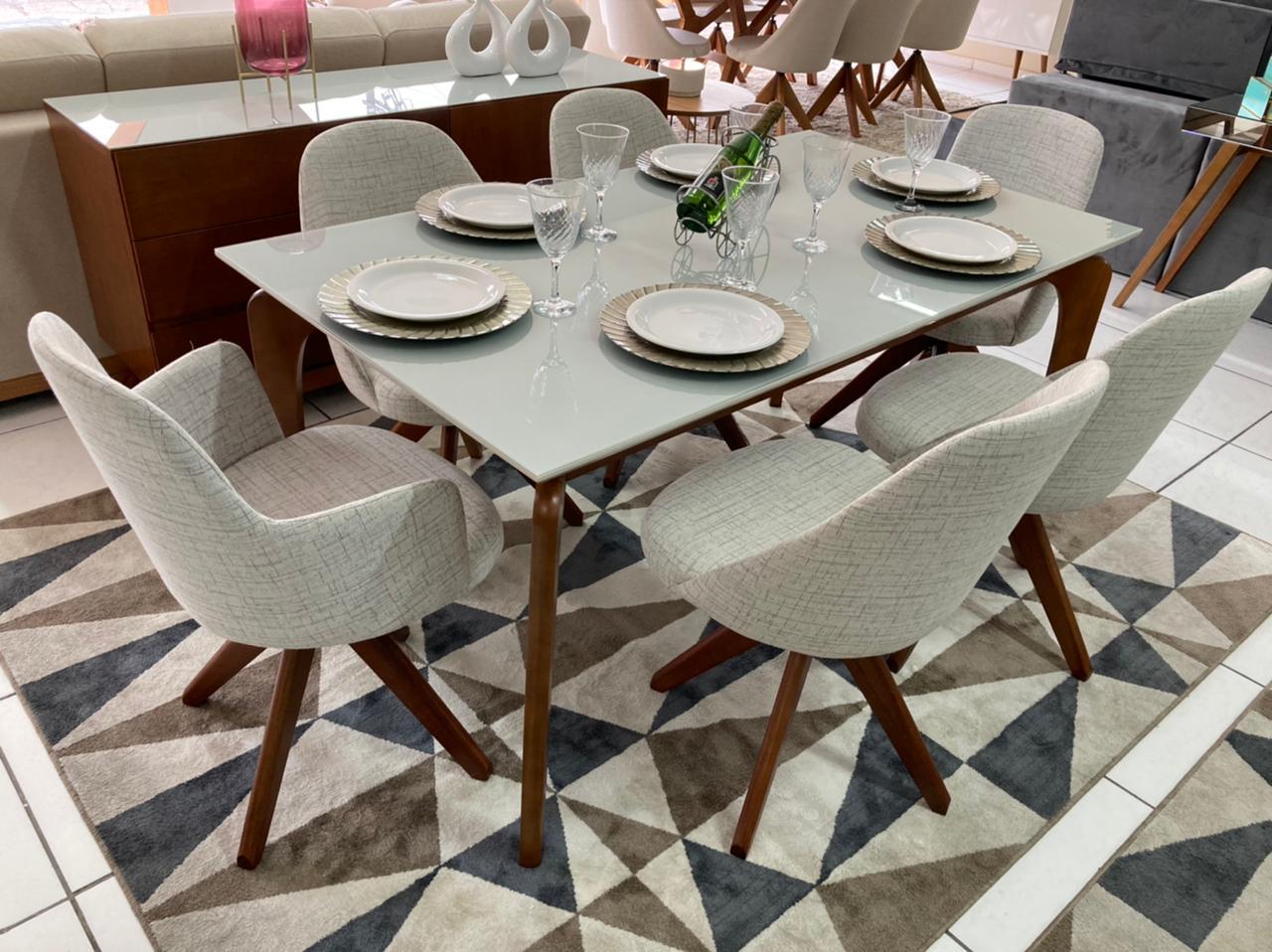 Sala de Jantar Mesa Top Light e 6 Cadeiras Dilly Giratórias (2 Cadeiras com Braços)