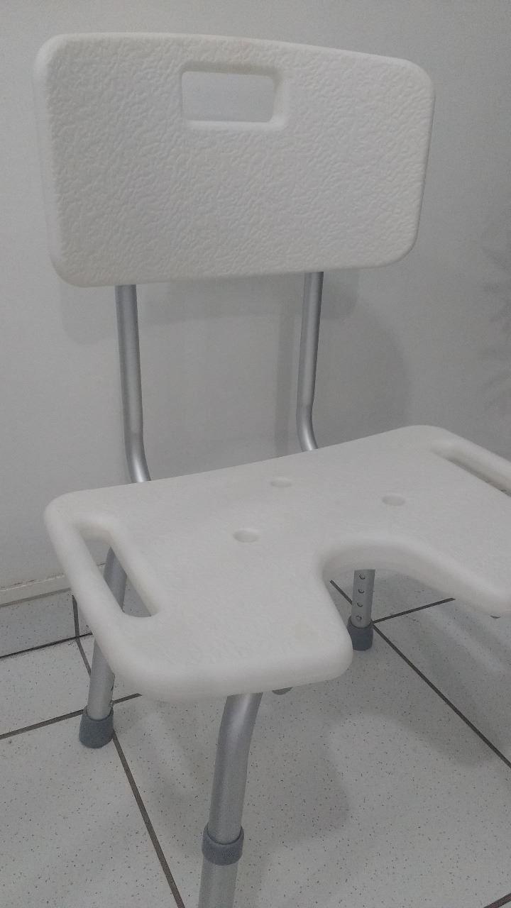 Cadeira De Banho Com Abertura e Encosto Cb/1 Astra