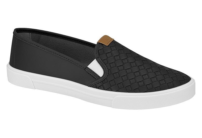 Slip on feminino preto e branco off Moleca 855