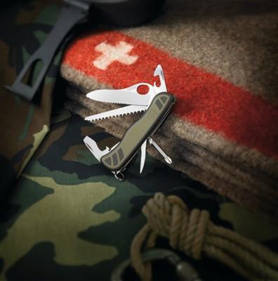 CANIVETE VICTORINOX NEW SOLDIER 10F VERDE - CÓD. 0.8461.MWCH
