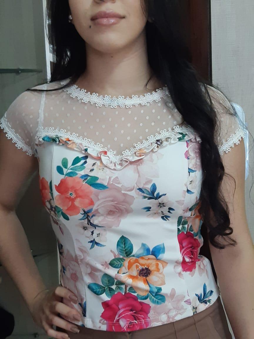 Blusa Feminina Estampada com Guipure e Bojo Manga Curta Kesses Tam P
