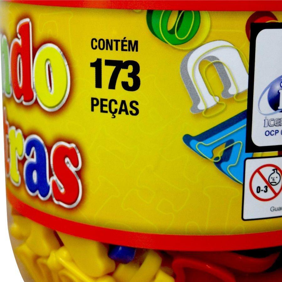 Brinquedo Pedagógico Brincando Com Letras Pote 173 peças Pais e Filhos
