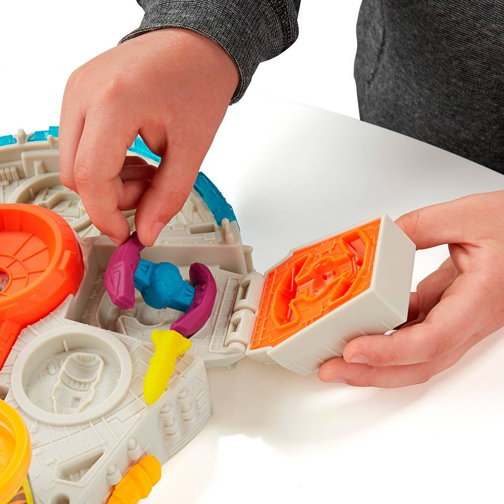 Conjunto de Massinha Play-Doh Star Wars Millenium Hasbro