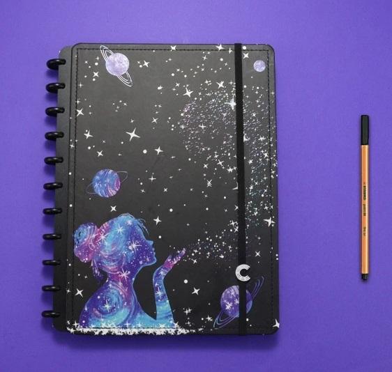 Caderno Inteligente By Gocase Poeira das Estrelas Grande - Caderno Inteligente