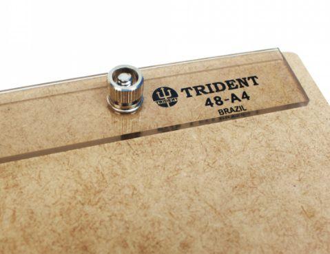 Pranchetinha A4 em MDF Com Prendedor De Acrilico Trident