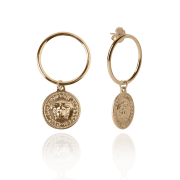 Brinco Argola com Pingente Medalha Inspiração Versace