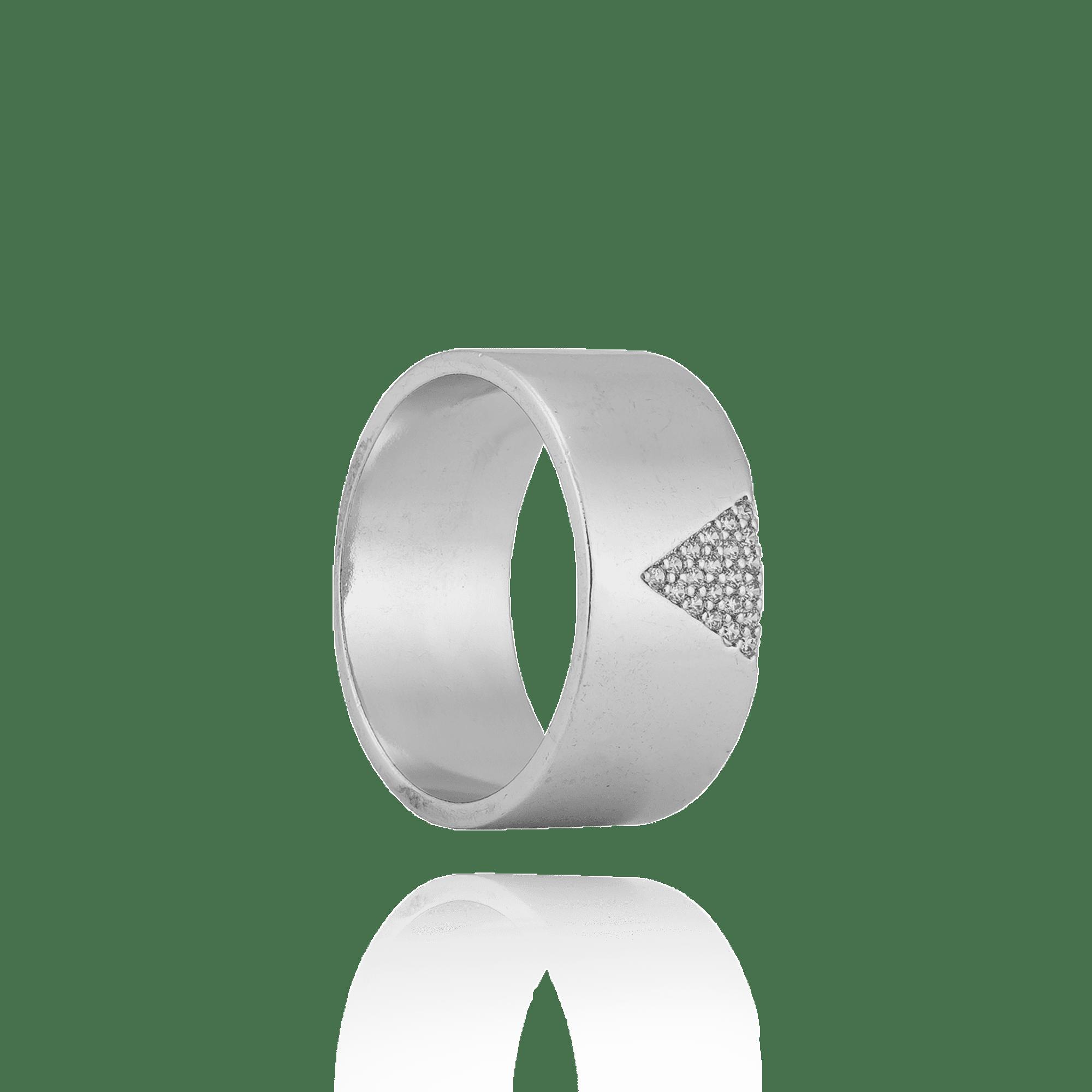 Anel Prateado com detalhe Triangular cravejado com Zircônias
