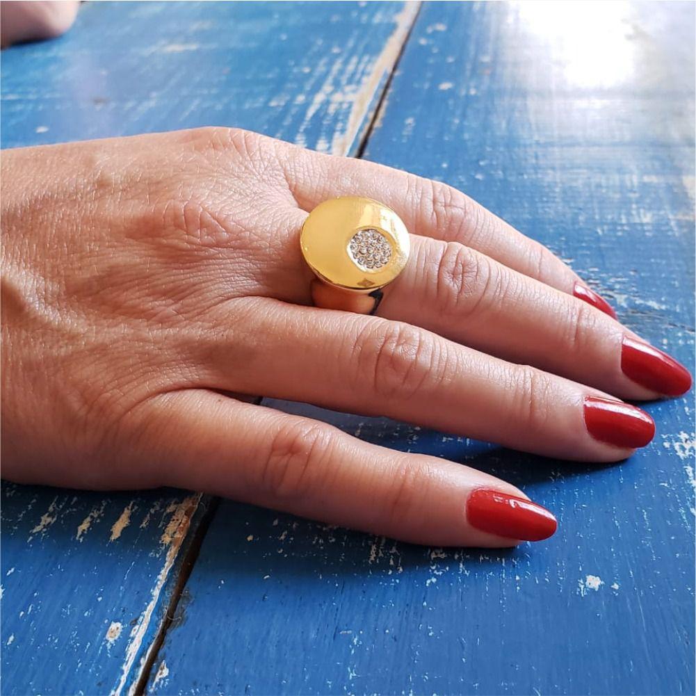 Anel Dourado com Pingo Cravejado de Strass