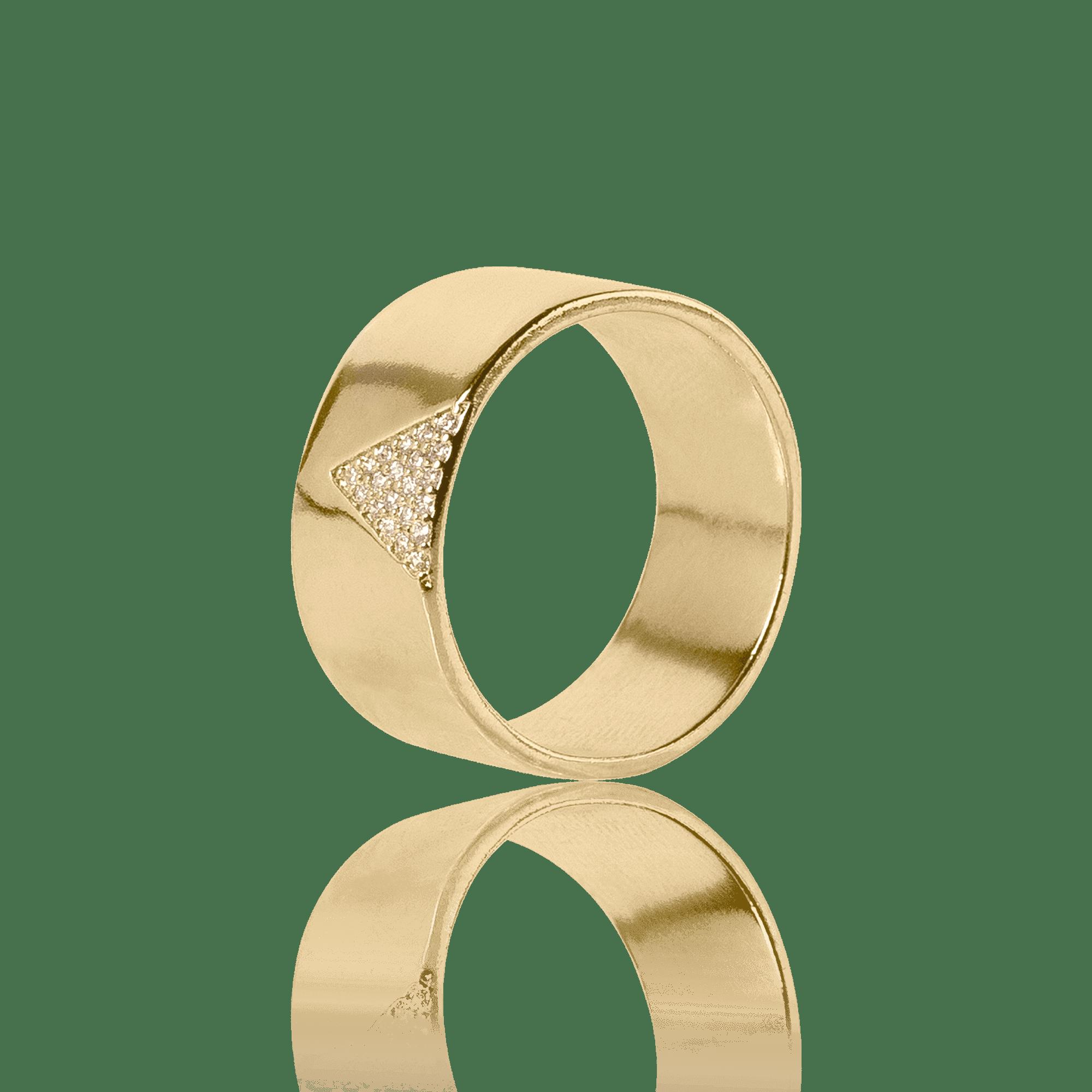 Anel Dourado com detalhe Triangular cravejado com Zircônias