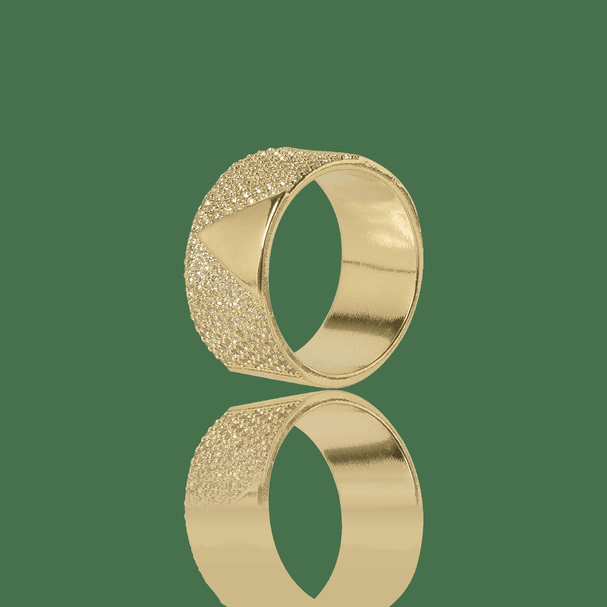 Anel Dourado cravejado com Zirconias e detalhe Triangular