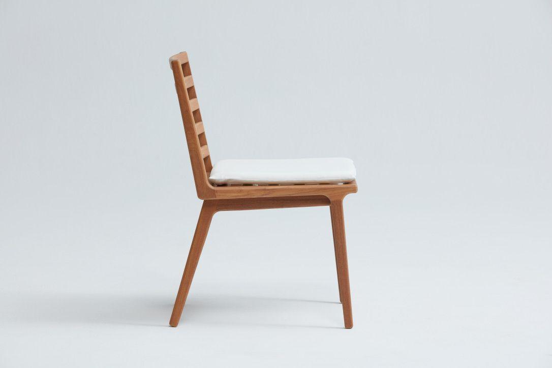 Cadeira Atobá sem braço - Designer: Daniela Ferro