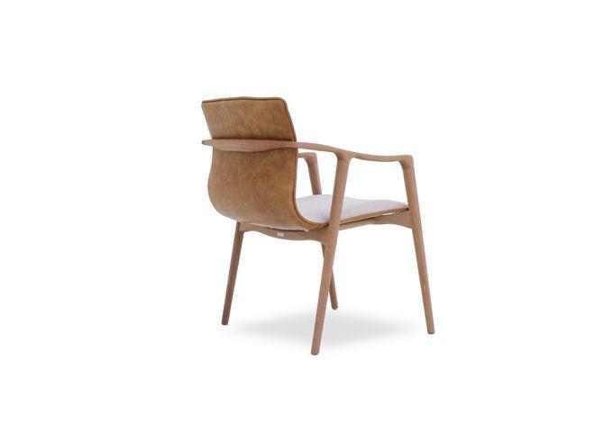 Cadeira Lua Nova-Designer:Daniela Ferro