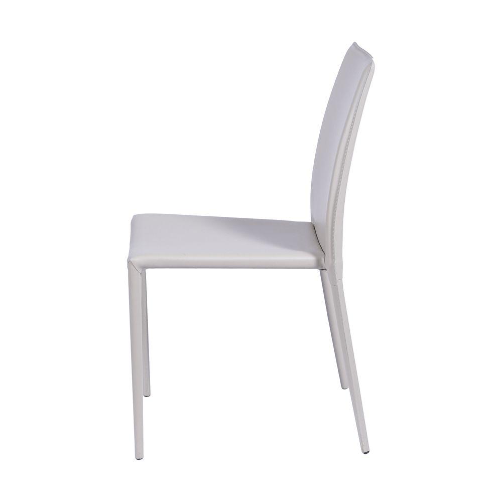 Cadeira Revestida em Couro Sintético
