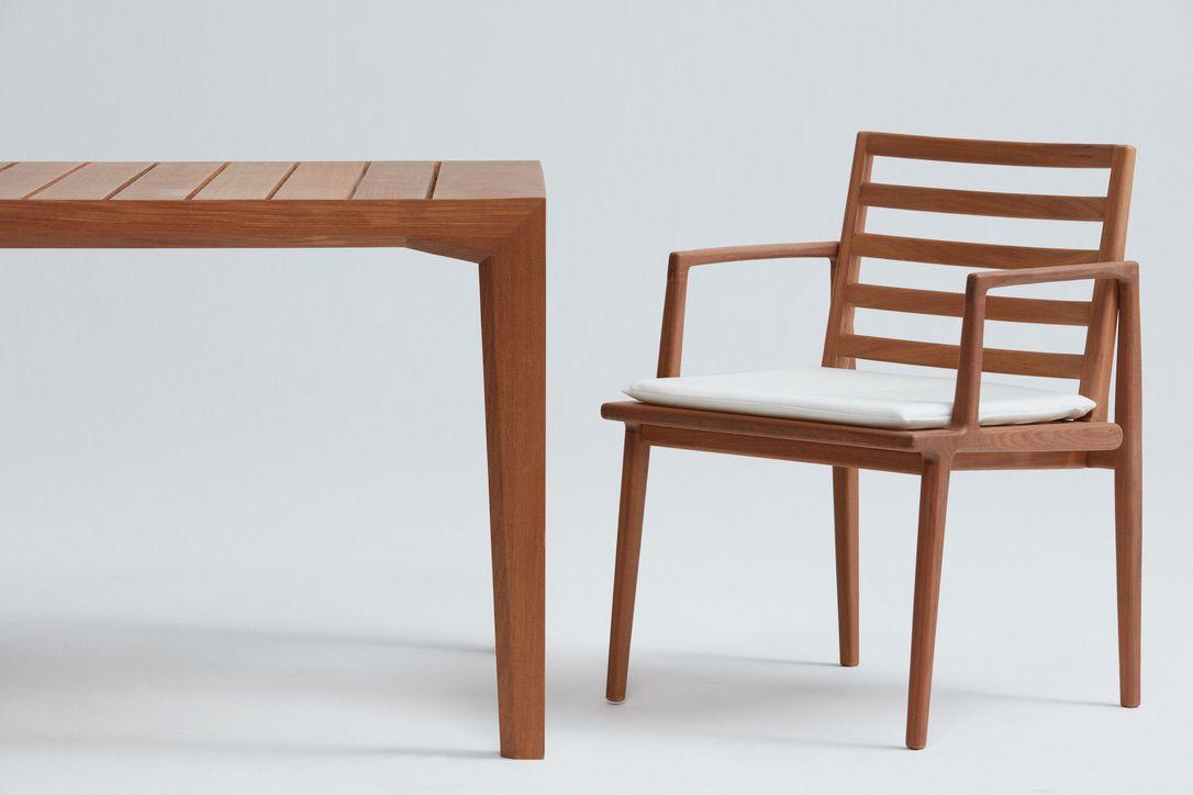 Mesa Caraúna - Designer: Daniela Ferro