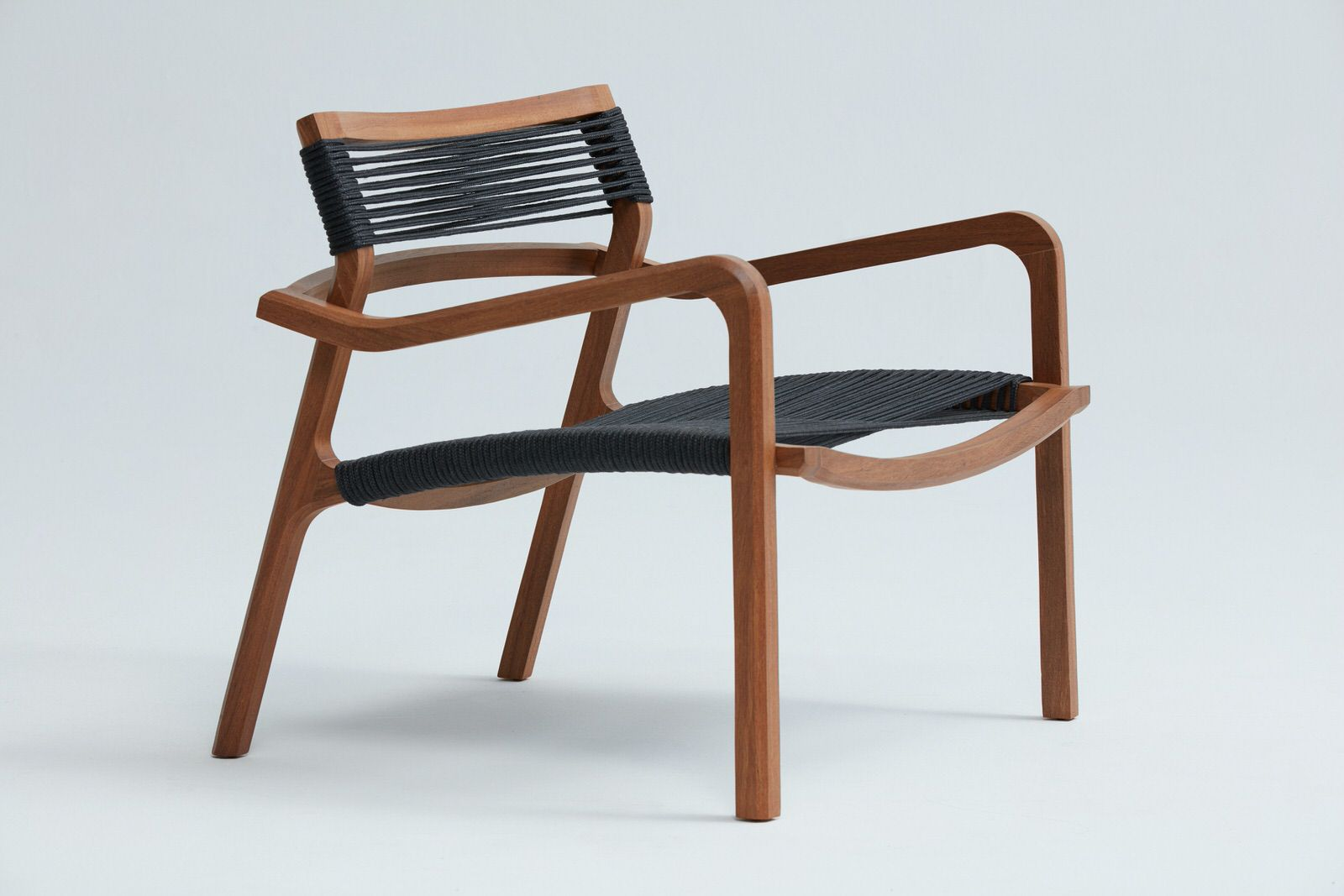 Poltrona Saara - Designer: Fernando Zanardi