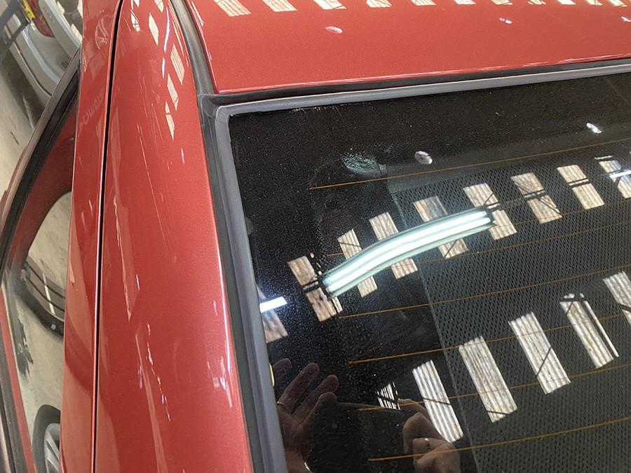 Borracha do vidro traseiro BMW 325 328 323 318 Sedan 4 portas E36 vigia
