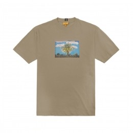 Camiseta Class Castelo Local Studios Marrom Claro