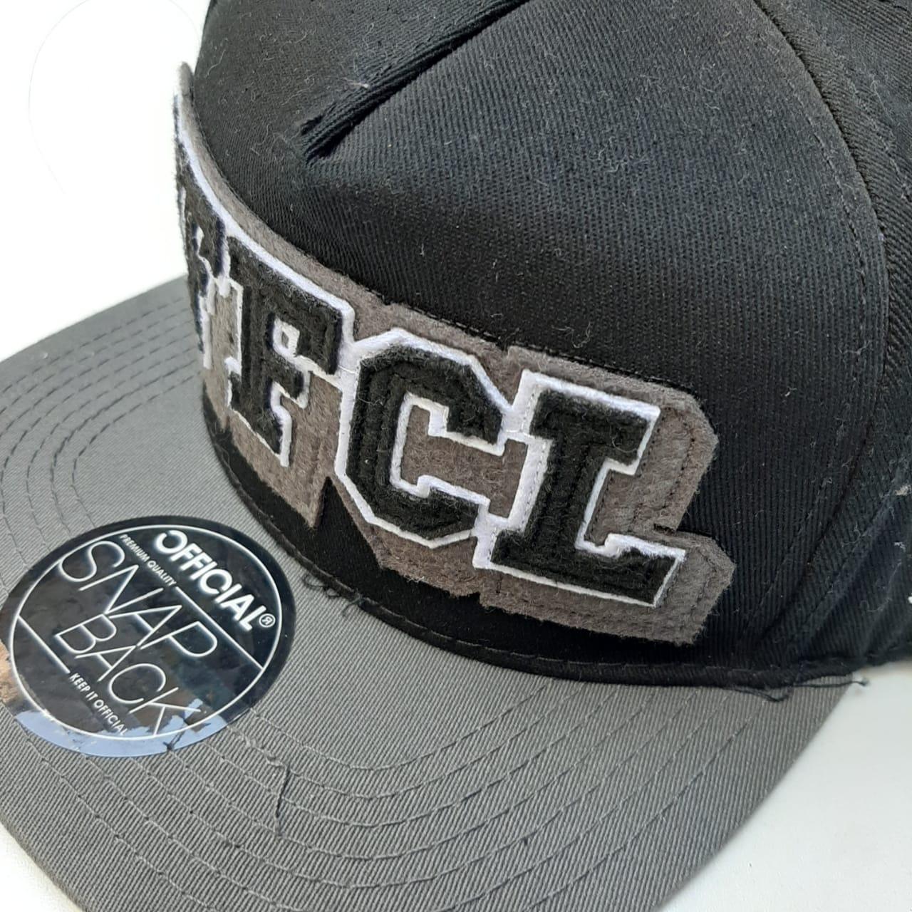 Boné Official Snapback Black Grey