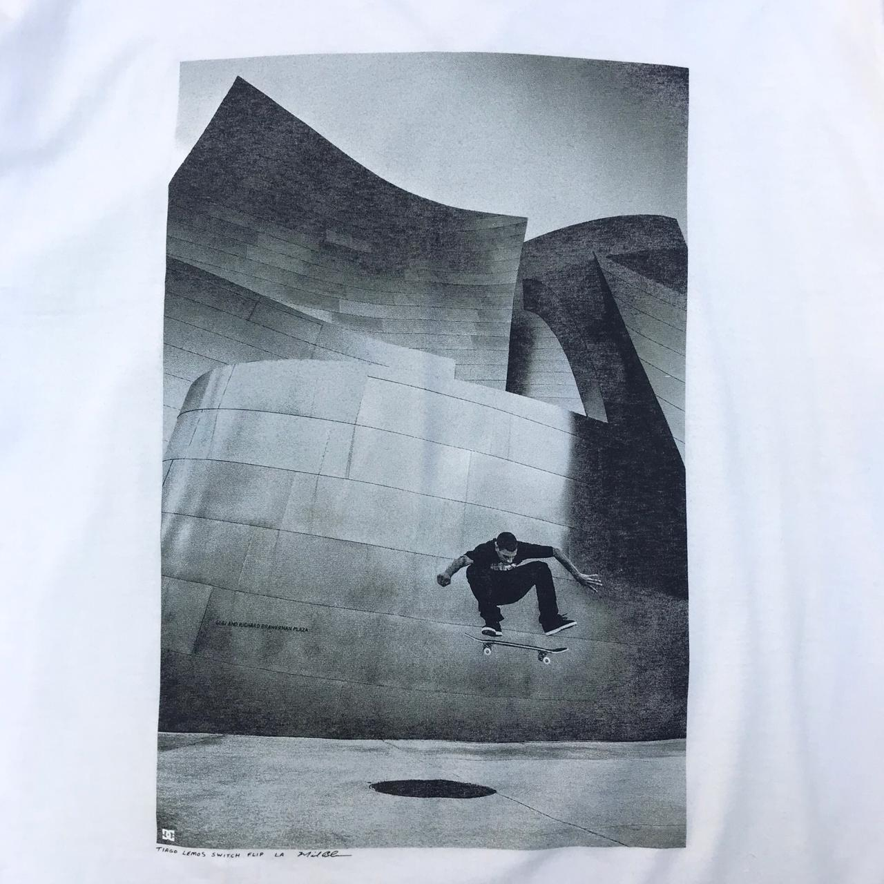 Camiseta DC Tiago Switch Flip Branco