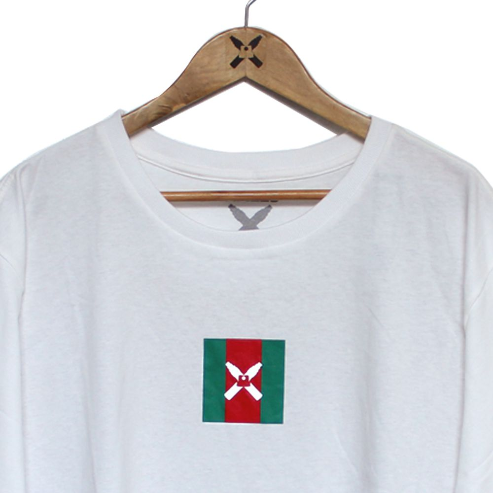 Camiseta Walls Square Logo Gucci Off White