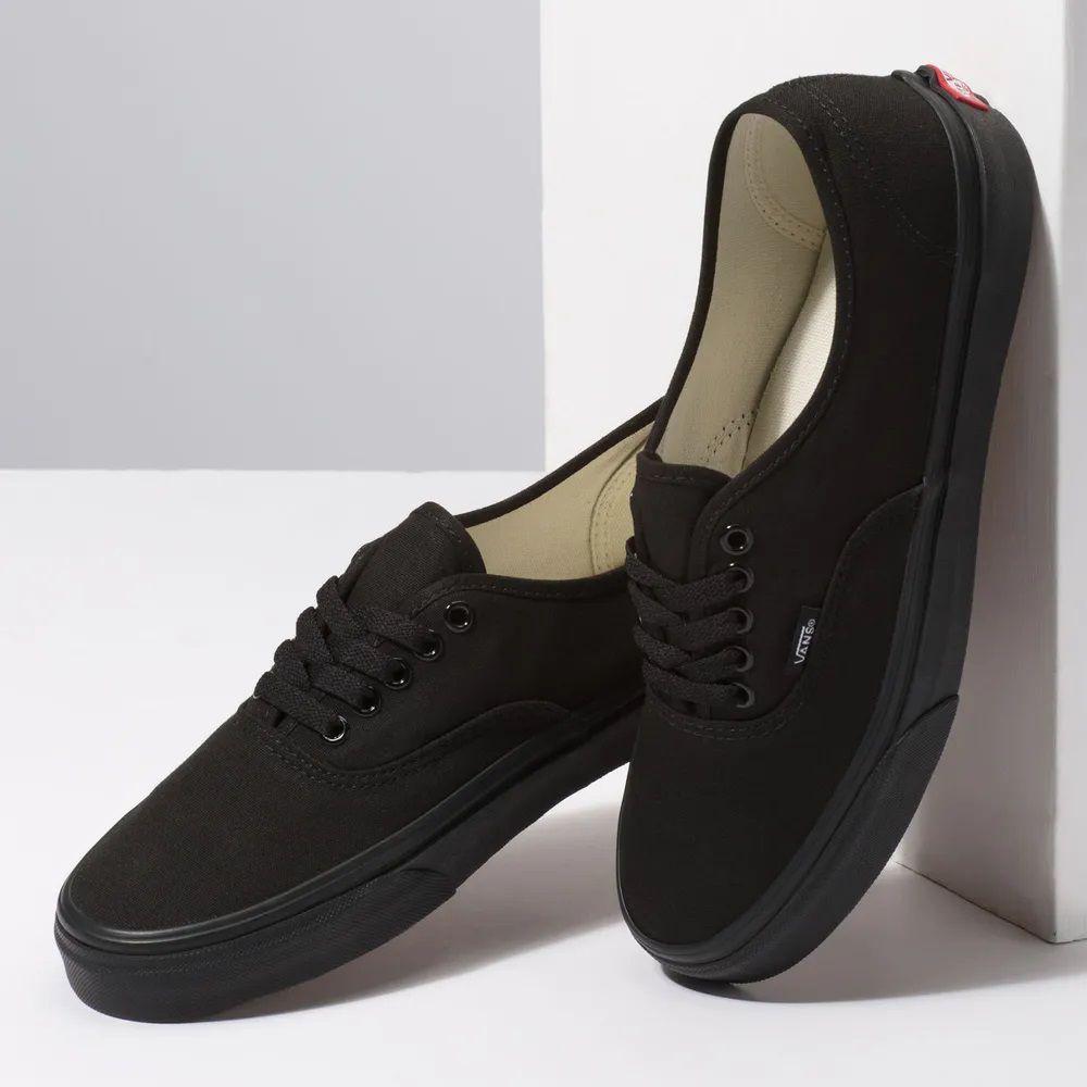 Tênis VANS Authentic Black / Black