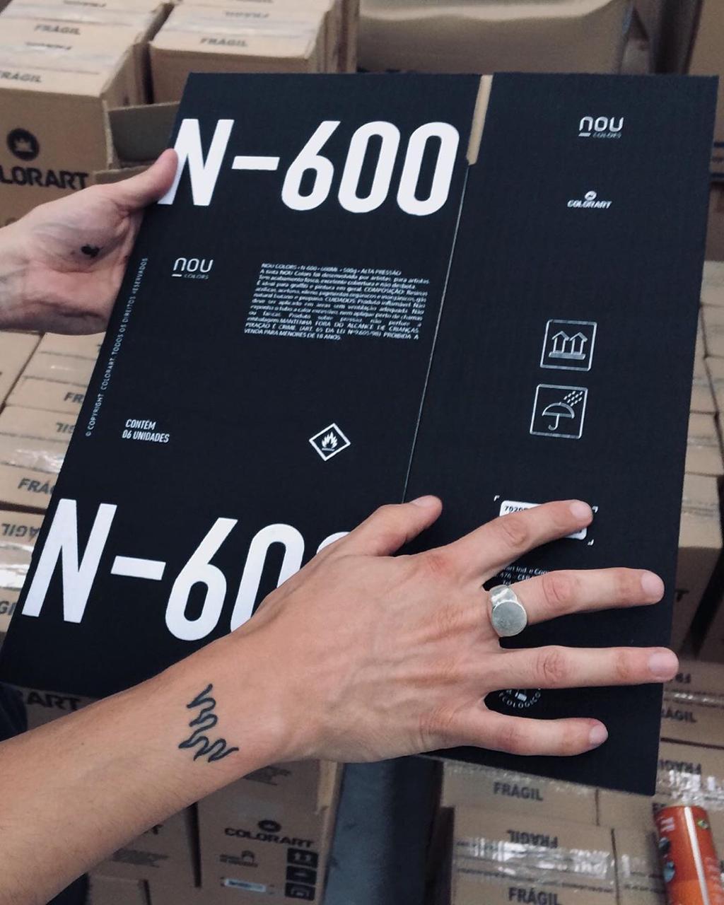 Tinta Spray NOU Colors N 600 Preto Alta Pressão