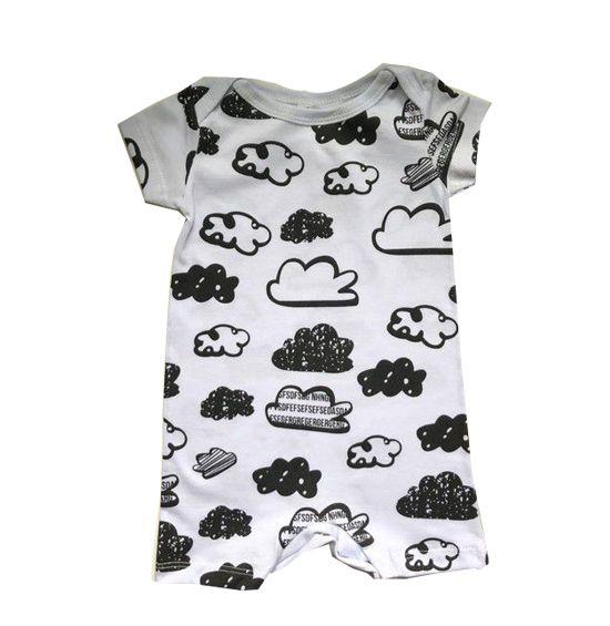 Macacão Nuvens