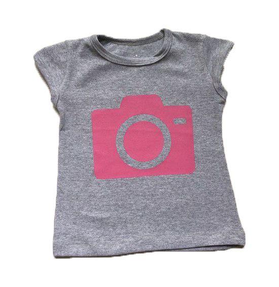 T-Shirt Câmera - Cinza com Rosa