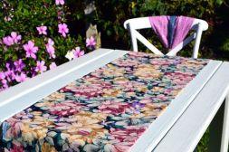 Caminho de Mesa Azul Marinho com Estampas Florais Coloridas Victorine