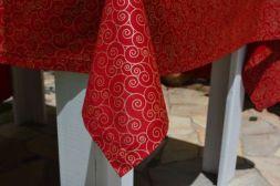 Toalha de Mesa Vermelha 4 Lugares Natalina Ouro