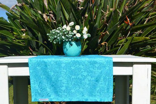 Caminho de Mesa Azul Claro Renda Sintética Floral Rendado