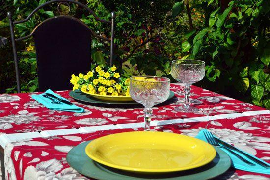 Caminho de Mesa Vinho com Florais Cinzas Augustine