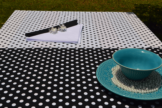 Conjunto Toalha de Mesa Retangular Preto e Branco com 6 Guardanapos