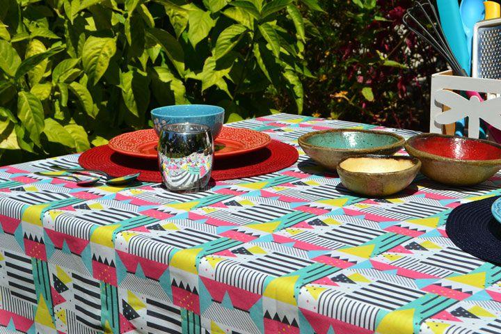 Toalha de Mesa 4 Lugares Quadrada Colorida Modernista