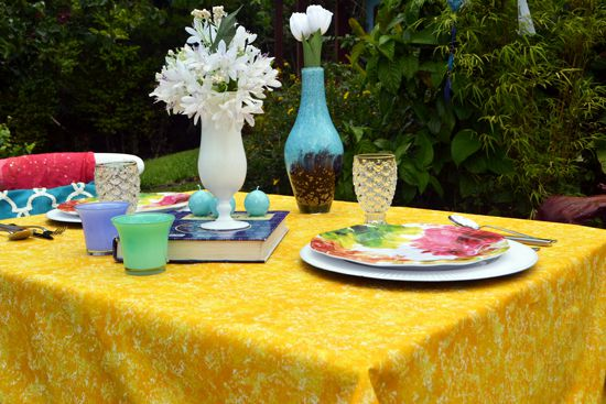 Toalha de Mesa 4 Lugares Quadrada Amarela Textura