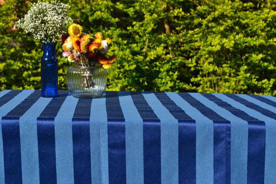 Toalha de Mesa Azul 8 Lugares Jacquard Realeza