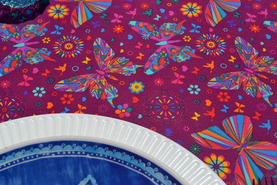 Toalha de Mesa Lilás Retangular 8 Lugares Borboletas