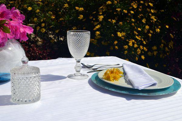 Toalha de Mesa para Festa Branca Sob Medida Jacquard Tissori