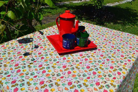 Toalha de Mesa Quadrada 4 Lugares Amarela Chá das Cinco