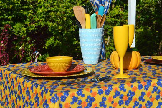 Toalha de Mesa Quadrada 4 Lugares Amarela Floral Divina