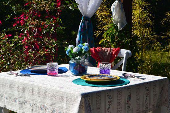 Toalha de Mesa Quadrada 4 Lugares Branca Jacquard Floral Serene